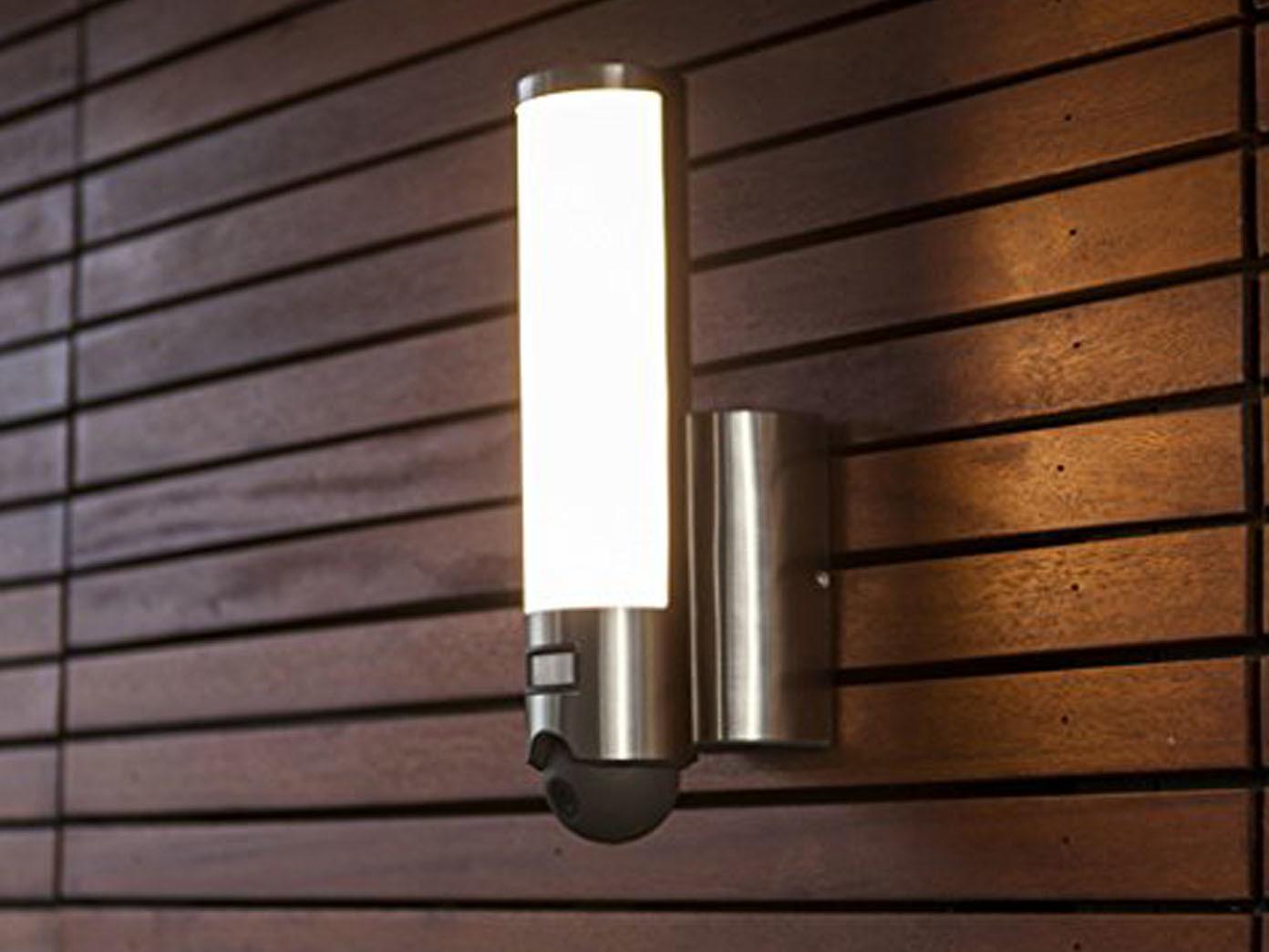 2er set led au enleuchte wandlampe mit bewegungsmelder. Black Bedroom Furniture Sets. Home Design Ideas