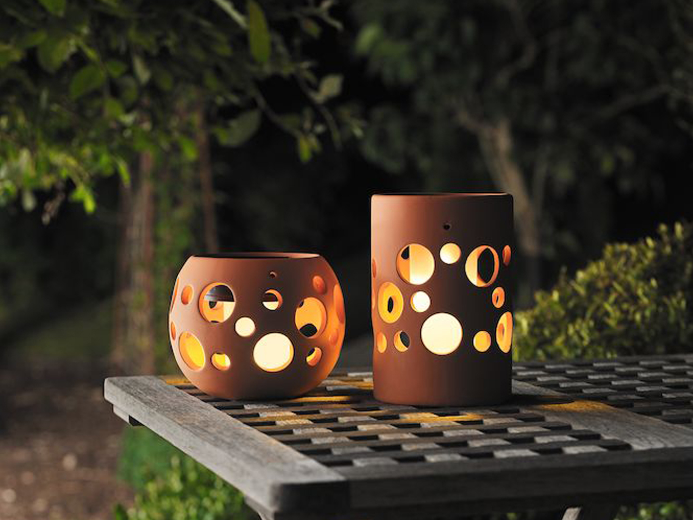 terracotta tischleuchte keramik solar led d mmerungssensor tischlampe garten 7318307800906 ebay. Black Bedroom Furniture Sets. Home Design Ideas